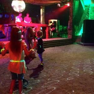 DJ und junge Tänzer CCC
